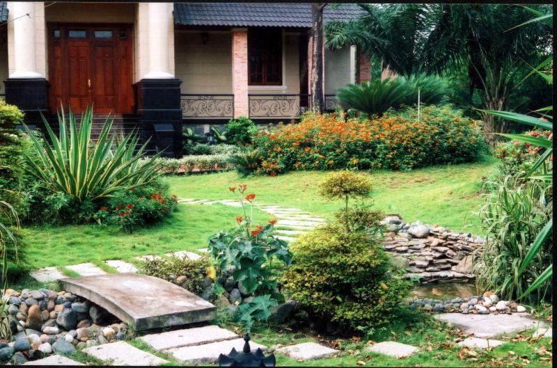 Cách bố trí cây cảnh trước nhà