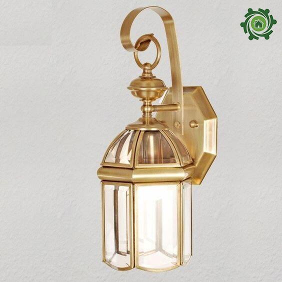 Mẫu đèn trang trí cột nhà đồng vàng