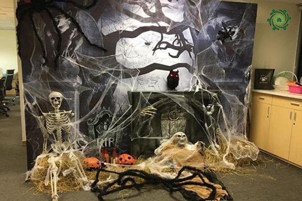 trang trí halloween cho văn phòng