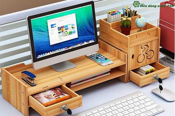 Trang trí văn phòng công sở bằng kệ gỗ để bàn